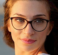 Wear Glasses? Follow These Makeup Tips